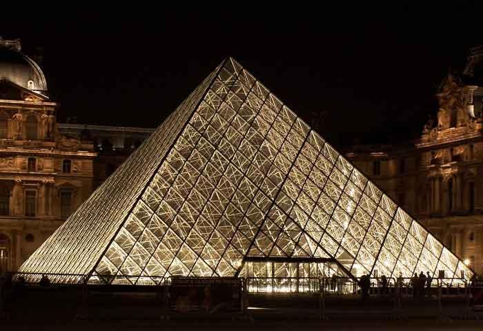 L 39 extr me richesse artistique du louvre d voil e travers la visite de s - Construction pyramide du louvre ...